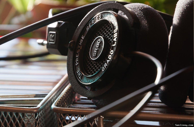 Whmsonic radyo host